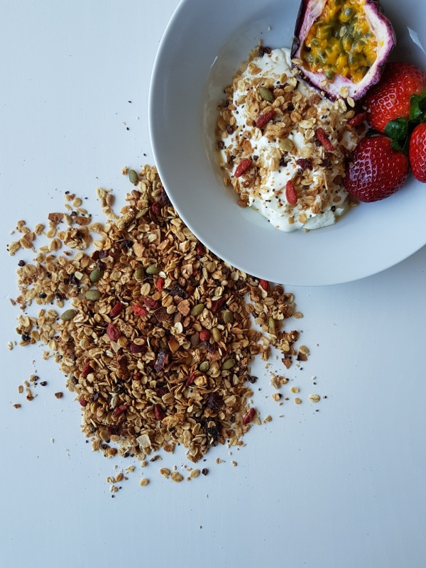 VEGAN SUPERFOOD MUESLI